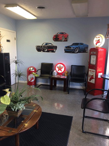 Dennis Halls Auto Service | Customer Waiting Area | 865-690-1151 | 221 Sherway Rd, Knoxville TN 37922